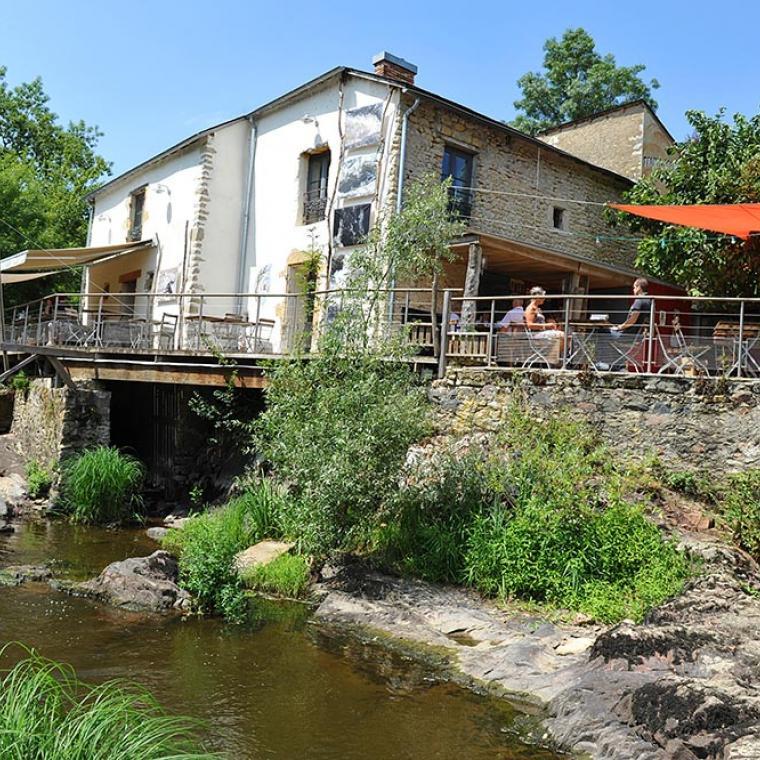 Trompe Souris café : un bar/restaurant original